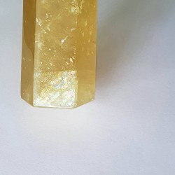 Golden Calcite Obelisk - 13.2 cm - inari.co.nz - The Crystal Rainbow